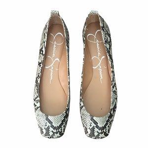 Jessica Simpson Flat Shoes Size 8.5